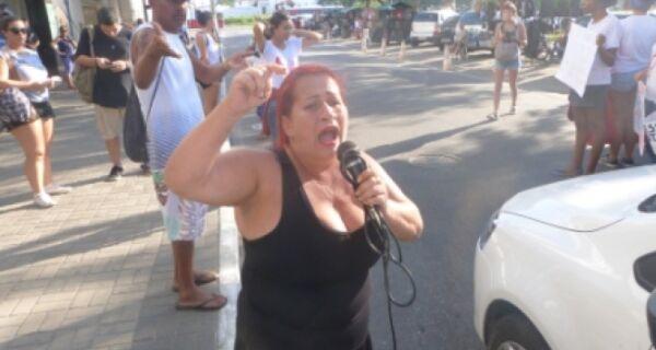 """""""Quantas Rayzzas estão aí?"""": Mulheres vão às ruas e prometem não esquecer o caso"""