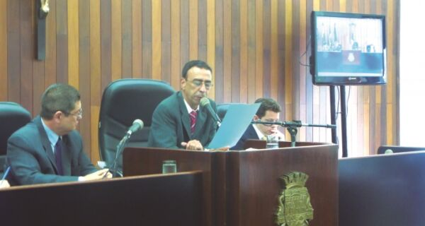 Ainda sem parecer de comissão, base do governo se articula para votar empréstimo