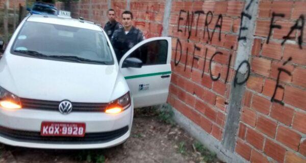 Polícia recupera táxi roubado em São Pedro