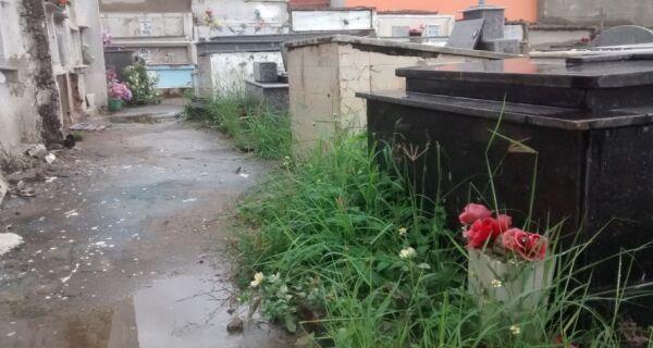 Cemitério Santa Isabel está saturado e abandonado