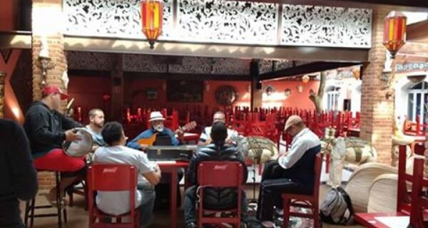 Santo Samba leva sua roda para o Dream Land Pub neste domingo (19)