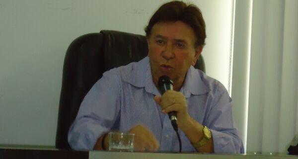 Alair volta de Brasília sem acordo por empréstimo e dispara contra o Sepe