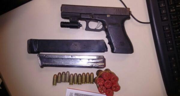 Polícia apreende pistola e munição no Valão