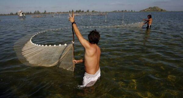 Pescadores reclamam de portaria que proíbe pesca de espécies em extinção