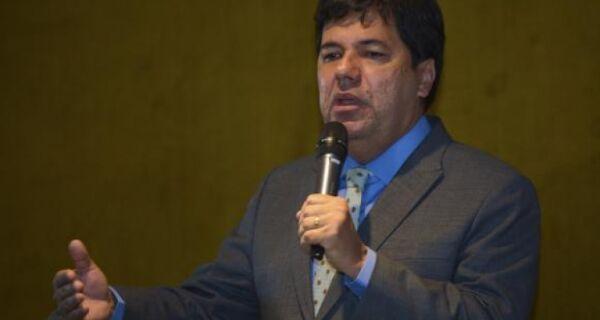 MEC discute reformulação do Fies