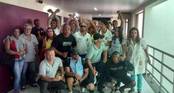 Grevistas da Postura ocupam Prefeitura de Cabo Frio