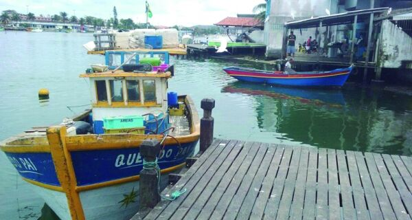 Pescadores reclamam de defeso prolongado para camarão