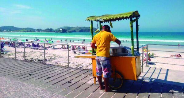 Comércio na Praia do Forte comemora as boas vendas