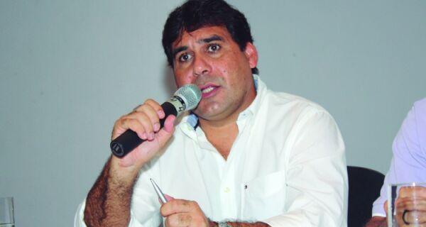 Prefeitura de Arraial afirma que Andinho permanece no cargo