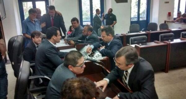 Marquinho consegue liminar para não ter contas julgadas na Câmara