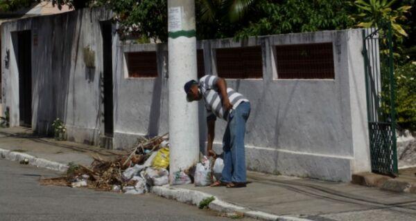 Com suspensão da coleta, cabofrienses questionam destino do lixo na cidade