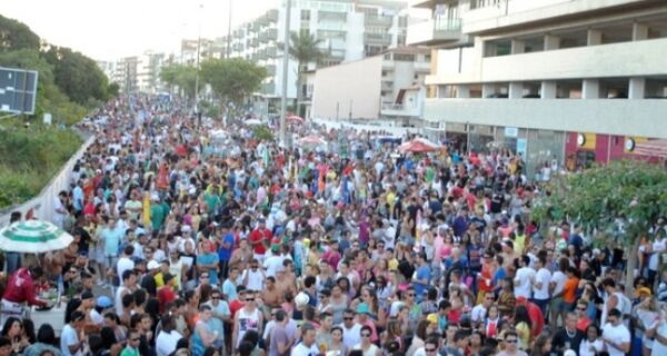 Parada Gay colore Praia do Forte neste domingo
