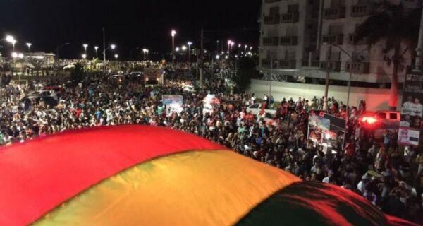 Parada Gay traz votos contra homofobia