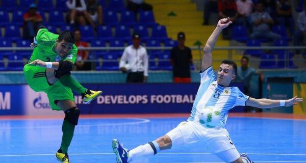 Higuita: de Cabo Frio para a Copa do Mundo de Futsal