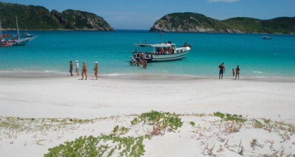 Passeios de barco estão cancelados em Arraial, Búzios e Cabo Frio