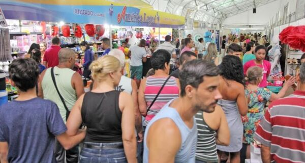 Comerciantes comemoram movimento da Feira Forte