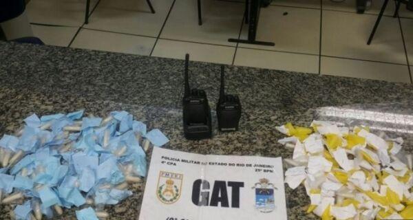 Polícia prende mulher com cápsulas de cocaína