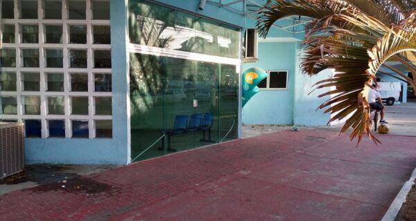 Hospital Central de Emergência de Cabo Frio amanhece fechado