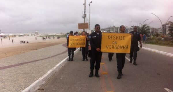 Guarda Municipal  faz 'Desfile da Dignidade' em Cabo Frio