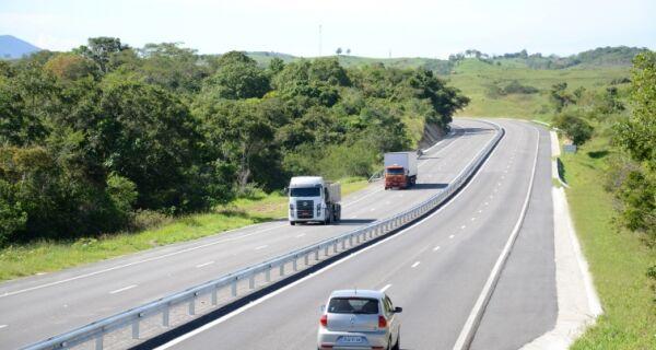 Feriado teve mais tráfego na Via Lagos