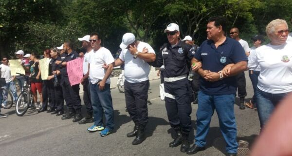 Guardas bloqueiam Ponte Feliciano Sodré