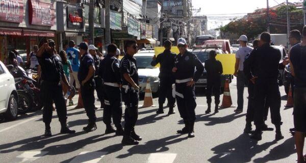 Protesto das dificuldades bloqueia passagem à Porto Rocha