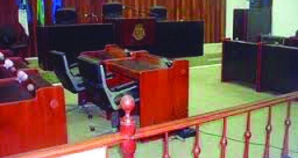 Câmara fecha mandato hoje sem deixar saudades