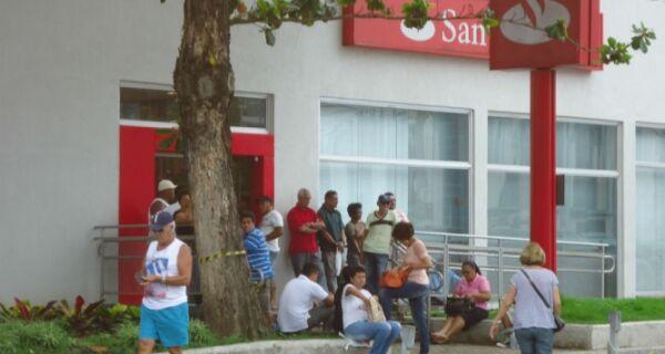 Agências bancárias estarão abertas até quinta (29)