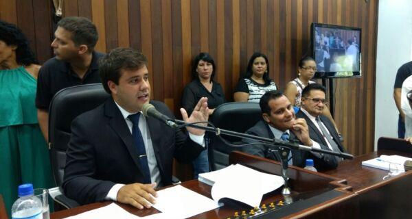 Aquiles Barreto é eleito presidente da Câmara pelos próximos dois anos