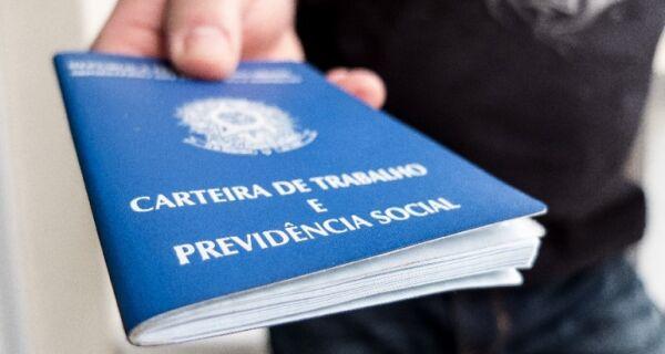 Brasil perde 1,3 milhão de vagas de emprego em 2016, diz Caged