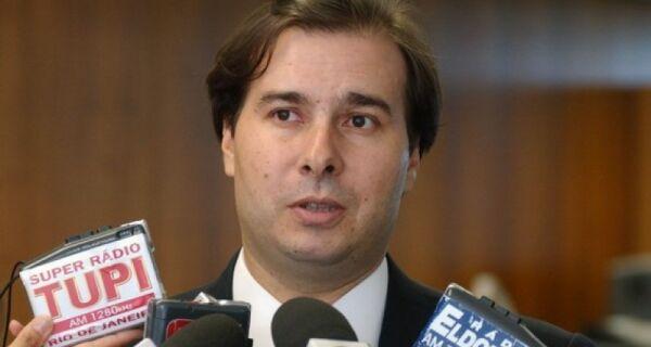 Juiz proíbe candidatura de Rodrigo Maia na Câmara