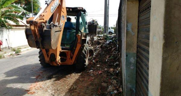 Jacaré e Jardim Excelsior recebem mutirão de limpeza