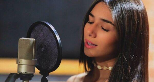 Juliana Gorito é a voz de Cabo Frio no The Voice