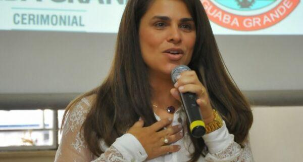 Grasiella Magalhães: 'Oposição não se preocupa com Iguaba'