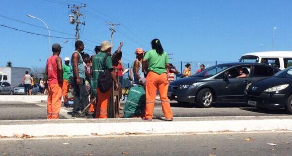 Novo protesto de coletores engarrafa Avenida América Central