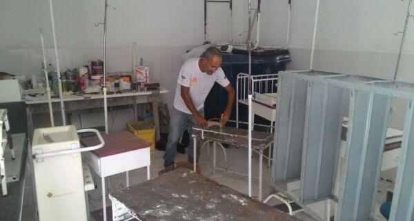 Hospital do Jardim Esperança faz reparo de peças e de mobiliário médico