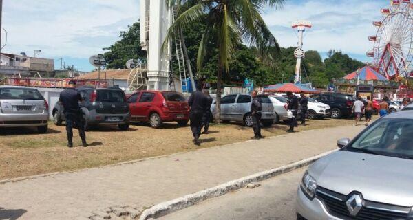 Polícia detém dez flanelinhas em Cabo Frio