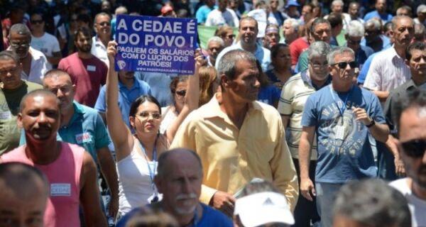 Governador Pezão sanciona lei que permite a venda da Cedae