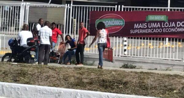 Trabalhadores fazem fila 24h antes de entrevista para emprego