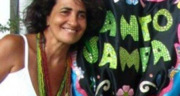 """Luciana Branco lança livro """"Pequenas Crônicas Sobre Tudo"""" nesta quarta-feira (22)"""