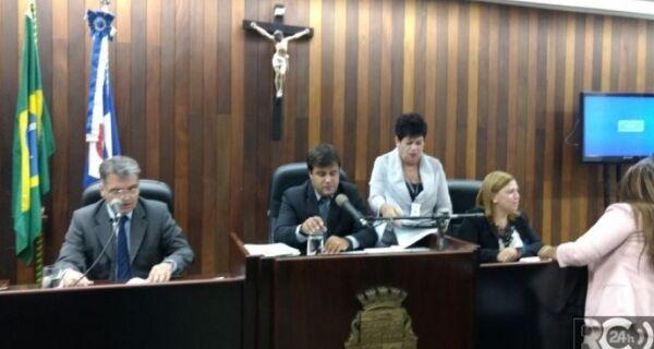 Anulação de sessão da votação das contas de 2012  vai parar na Justiça