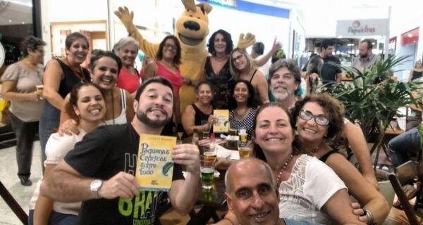 """Luciana Branco lança """"Pequenas Crônicas sobre tudo"""" em noite de festa"""