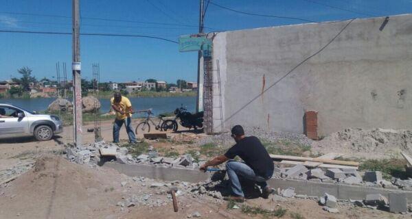 Prefeitura flagra construções irregulares em Tamoios