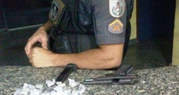 PMs trocam tiros com traficantes em Unamar