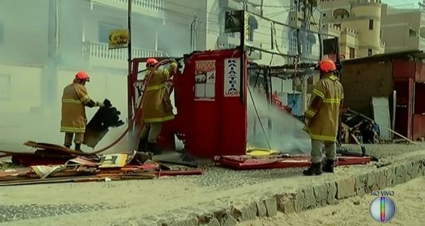 Quiosque pega fogo durante retirada na Prainha