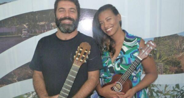 Sarah Dhy e Júnior Carriço cantam Marisa Monte no Jardim Excelsior