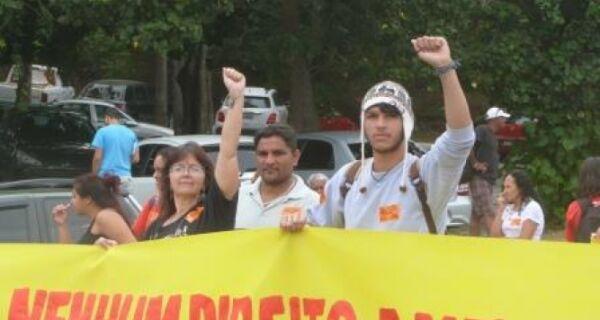 Manifestações tomam ruas de Cabo Frio