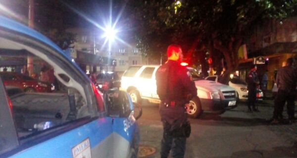 Operação da Polícia e da Ordem Pública fecha bares no Centro