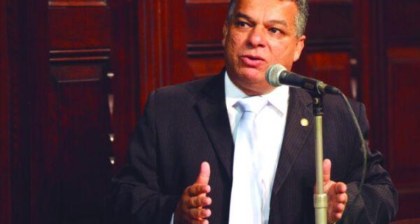 Janio Mendes: 'Indústria das liminares desmoraliza Justiça'