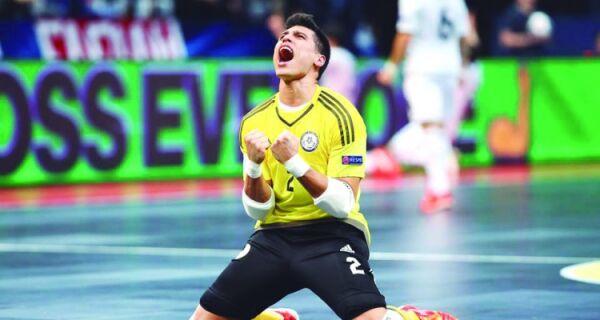 Léo Higuita é eleito melhor goleiro de futsal do mundo pela segunda vez